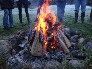 festival-closing-circle-fire